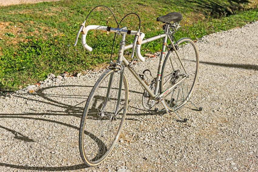 ZAPIER vintage bike tuscany biking tour